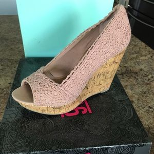Rose colored detailed wedges